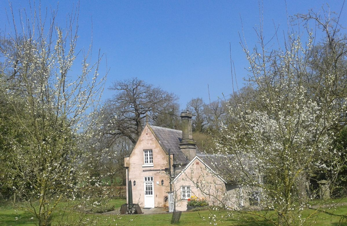 Click here for more about a romantic holiday at Stone Lodge