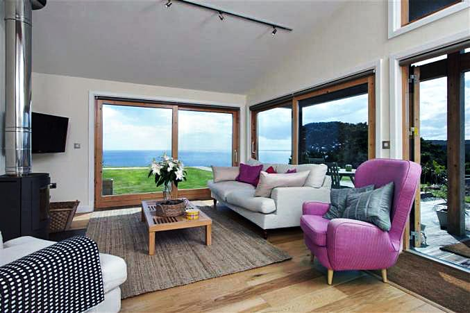 Click here for more about a romantic holiday at 37 Talland