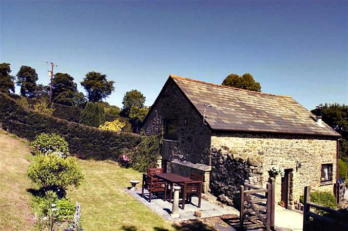 Click here for more about a romantic holiday at Beckaford Cottage