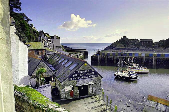 Click here for more about a romantic holiday at Farthing Cottage