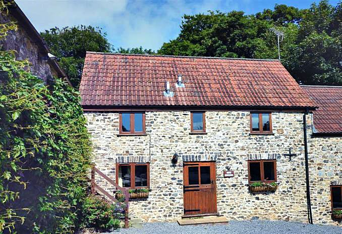 Click here for more about a romantic holiday at Ford Farm Cottage