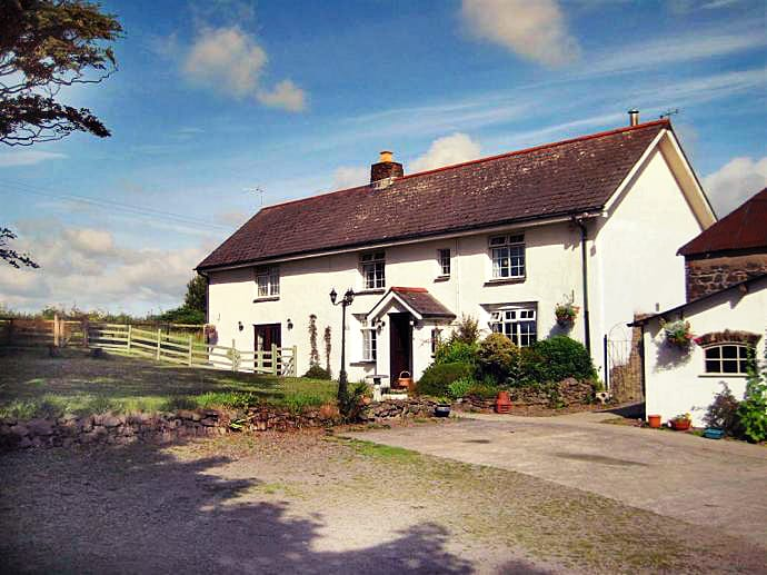 Click here for more about a romantic holiday at Holemoor Cottage