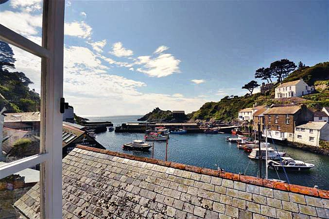 Click here for more about a romantic holiday at Penny Cottage